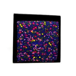 pochette de costume en coton - bleu marine avec fleurs roses et jaunes